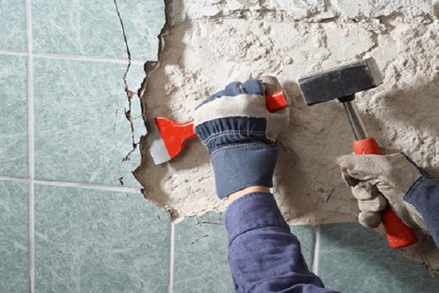 демонтаж плитки с выносом (от 250 кв.м)